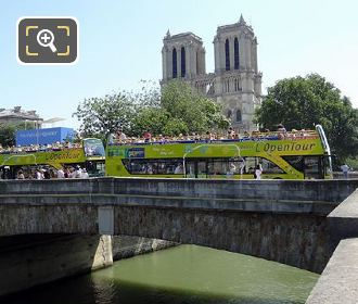 L'OpenTour Buses At Notre Dame