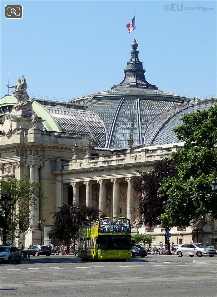 L'OpenTour Bus And The Grand Palais