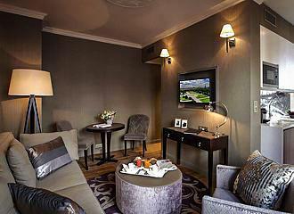 La Clef Louvre Paris Apartment Lounge