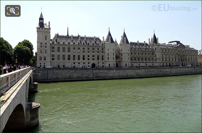 La Conciergerie On The Ile De La Cite