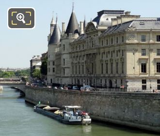 La Conciergerie And Palais De Justice