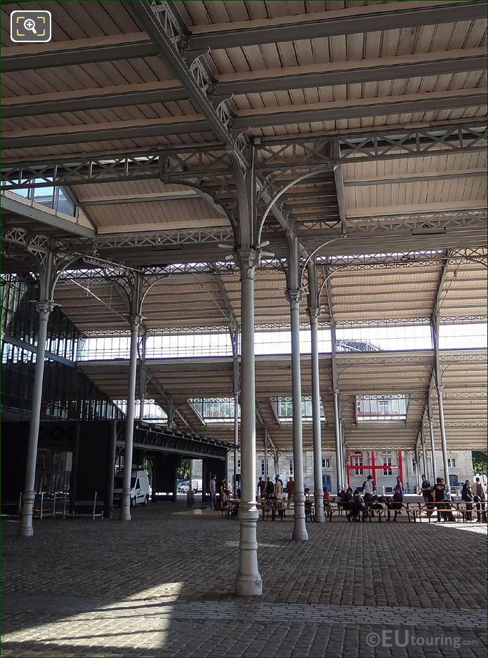 Under Front facade La Grande Halle