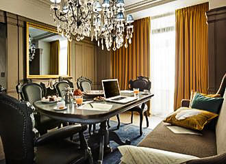 La Petite Maison Lounge Two