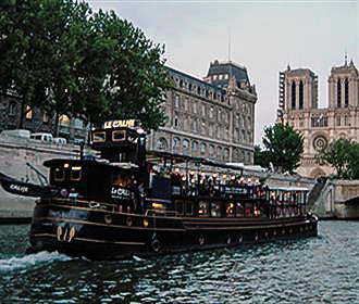 Le Calife Cruises On The River Seine In Paris France