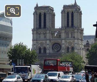 Les Car Rouges Visiting Notre Dame
