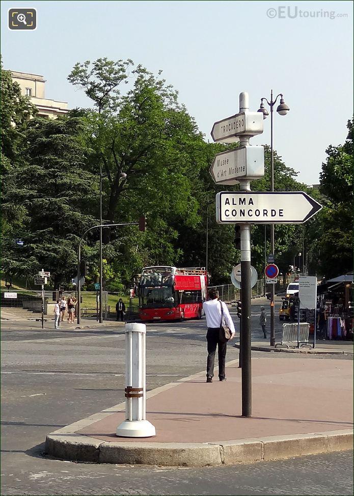 Les Car Rouges At Palais Chaillot