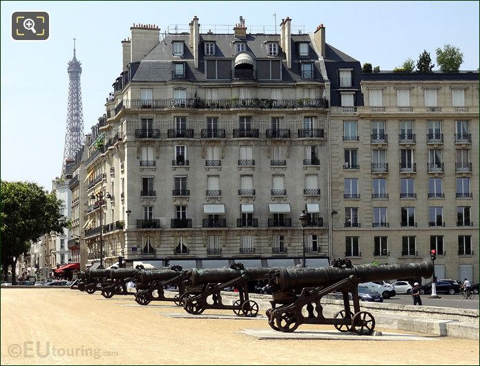 Hotel Les Invalides Cannons And Eiffel Tower