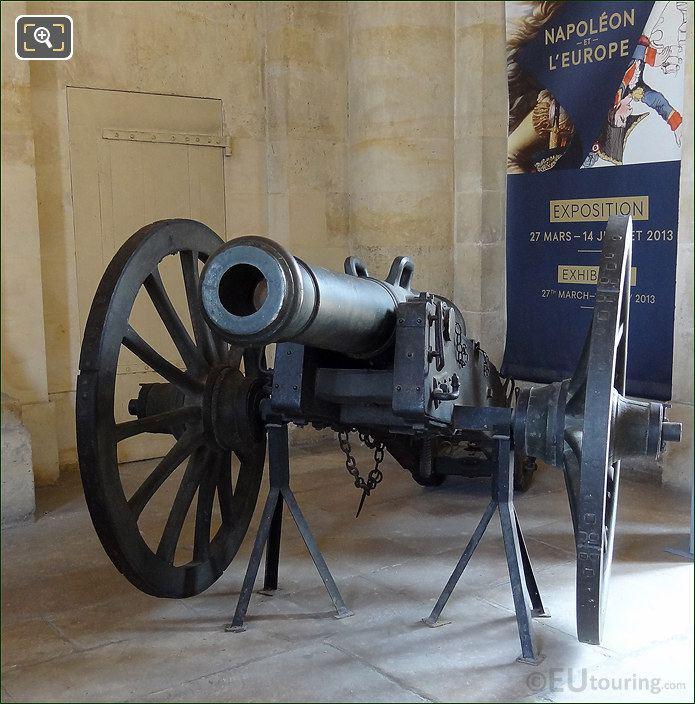 Hotel Les Invalides Entrance Cannon