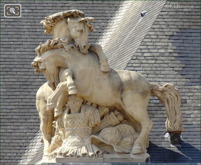 Les Invalides Horse Statues