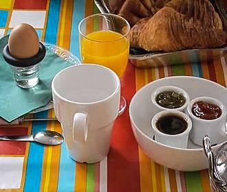 Les Toits Du Marais Bed And Breakfast