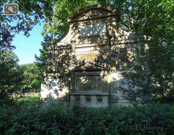 Fontaine De Leda In Jardin Du Luxembourg Paris