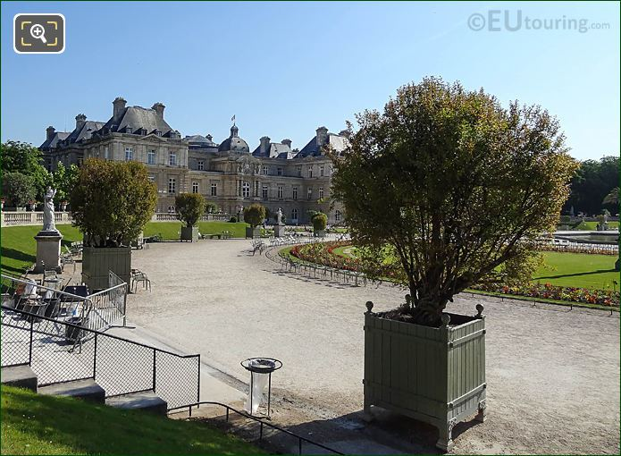 Jardin Du Luxembourg Pot 34 With Punica Granatum Flore Pleno Shrub