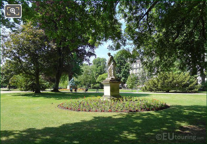Jardin Du Luxembourg Statues In Flowerbeds