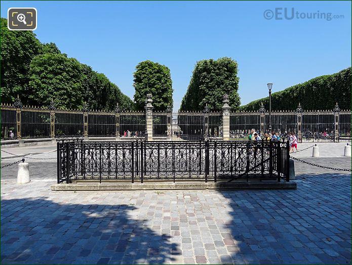 Jardin Du Luxembourg Central Gates Rue Auguste Comte