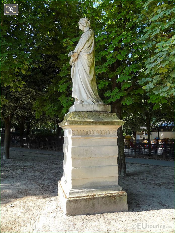 Jardin Du Luxembourg Laure De Noves Statue South End Western Terrace