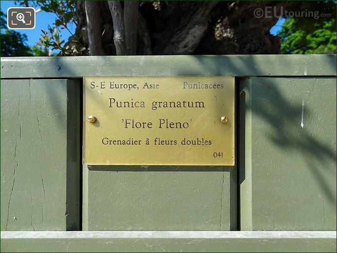 Tourist Information Plaque Pot 41 Jardin Du Luxembourg
