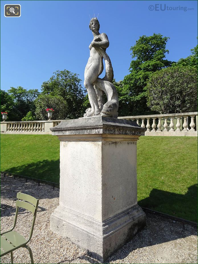 Jardin Du Luxembourg Venus Au Dauphin Statue Western Semicircular Section