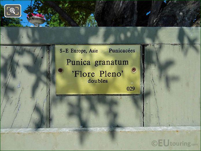 Tourist Information Plaque Pot 29 Jardin Du Luxembourg