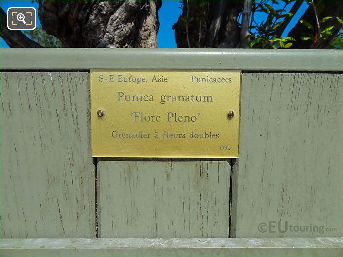 Tourist Information Plaque Pot 32 Jardin Du Luxembourg