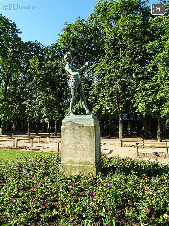 Jardin Du Luxembourg L'Acteur Grec Statue SE Side