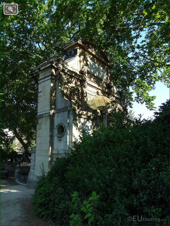 LHS View Of Fontaine De Leda
