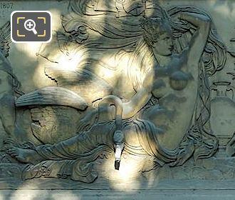 Fontaine De Leda Bas Relief Leda And The Swan