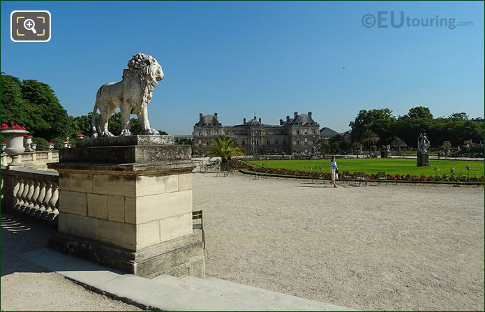 Jardin Du Luxembourg SW Lion Statue With Palais Du Luxembourg