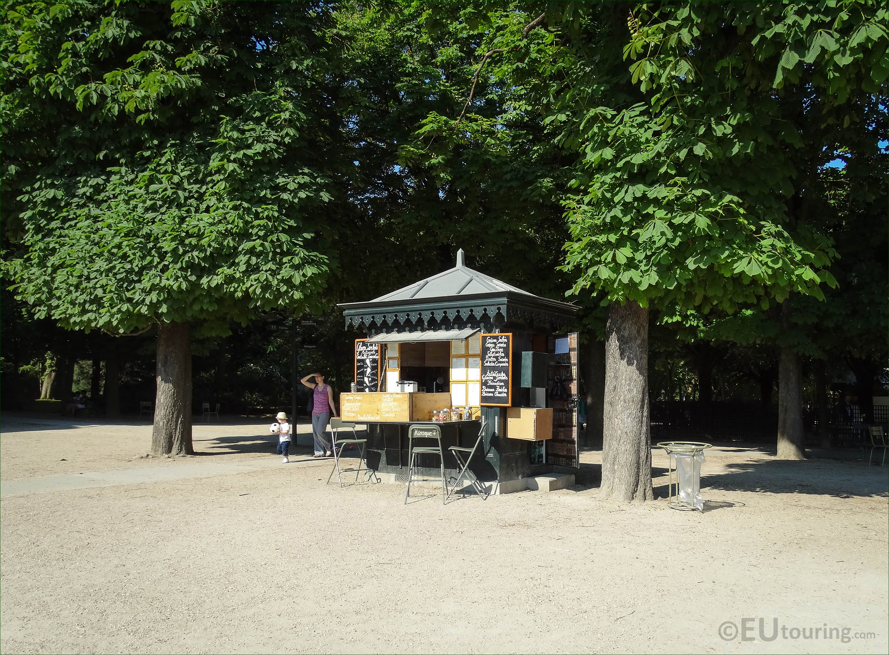 Photos of kiosk 7 in Jardin du Luxembourg - Page 24