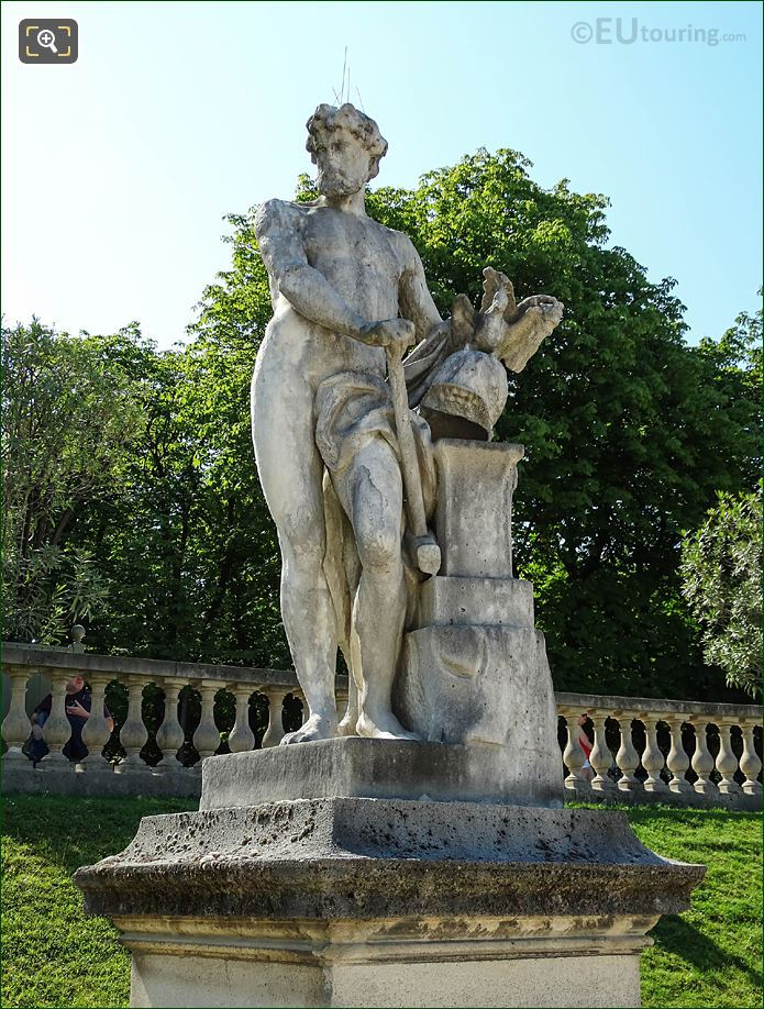 Jardin Du Luxembourg Vulcan Presenting Arms East Side Central Garden