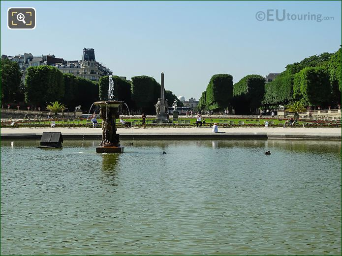 South Over Grand Basin Water Fountain In Jardin Du Luxembourg