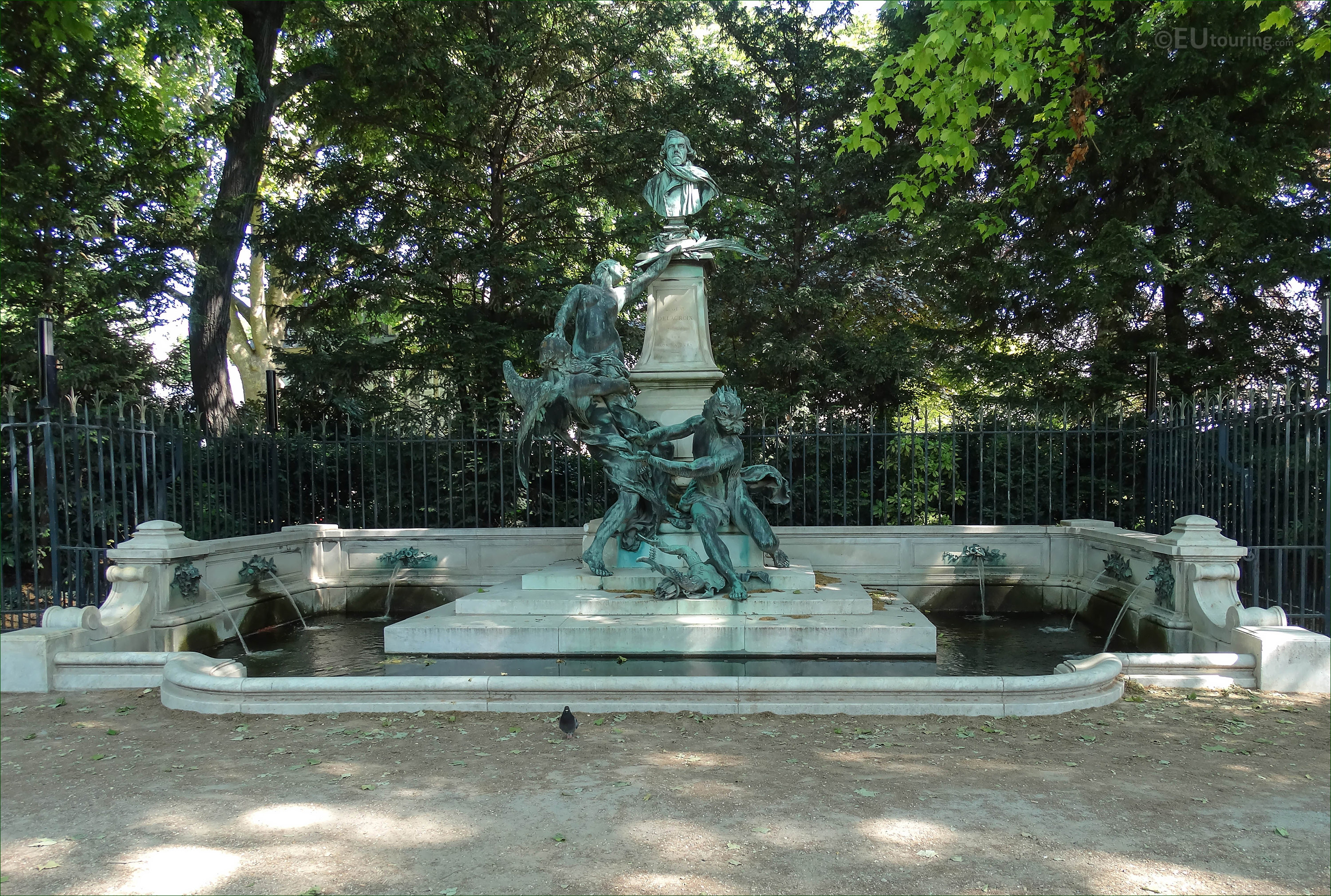 Photos of eugene delacroix monument in jardin du for Jardin du luxembourg