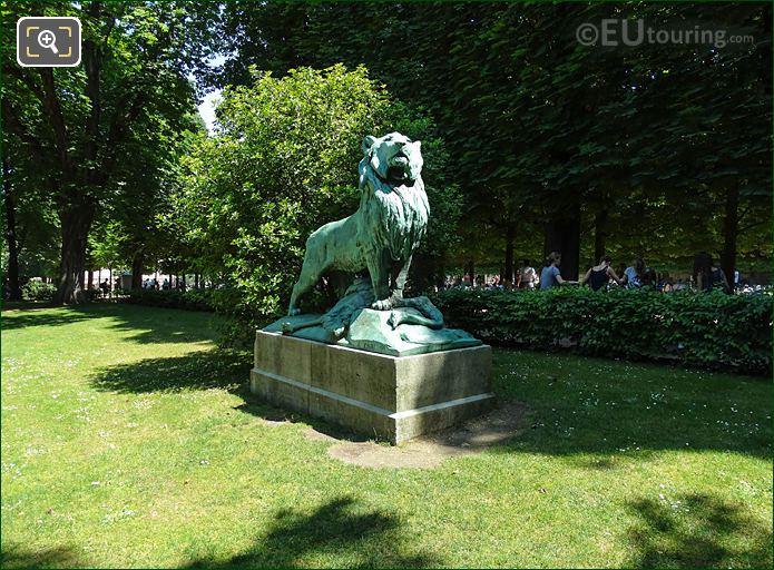 Jardin Du Luxembourg Le Lion De Nubie Et Sa Proie Statue Southern Side