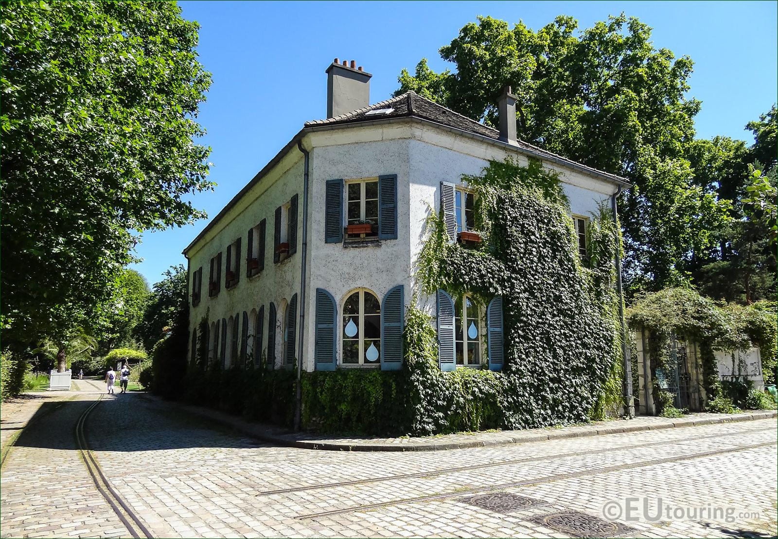 HD Photographs Of Maison du Jardinage In Parc de Bercy Paris France
