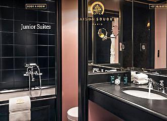 Maison Souquet Junior Suite Bathroom