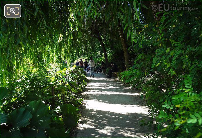 Park Bercy La Vallee Pathway