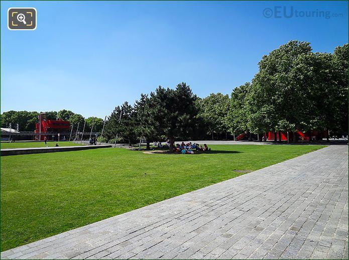 Allee Du Circle Parc De La Villette