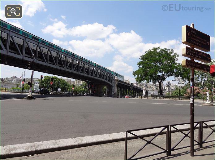 Pont Bir-Hakeim Metro Bridge