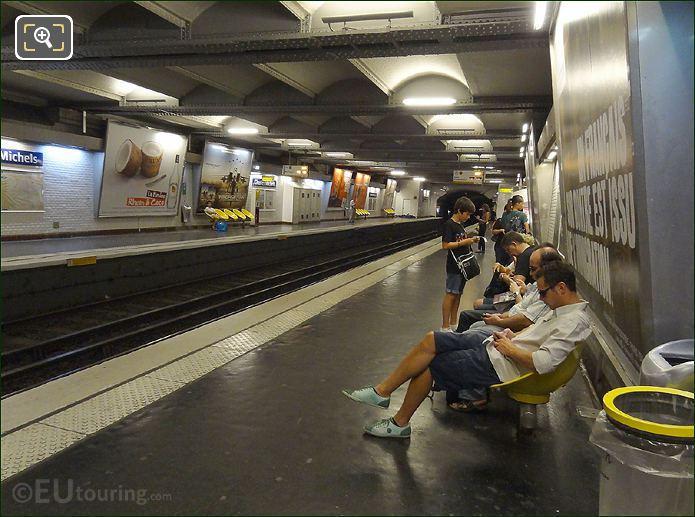 Paris Metro Platform