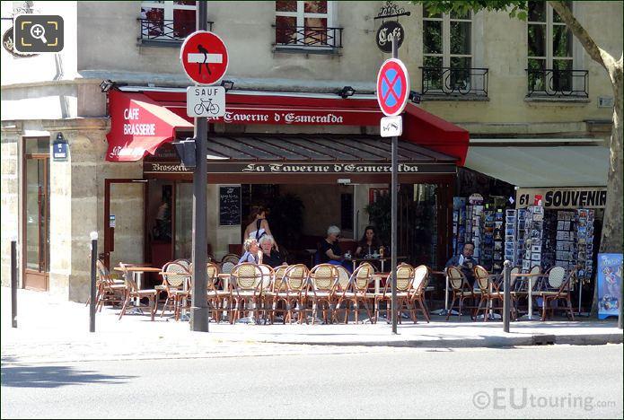 La Taverne d'Esmerelda Cafe