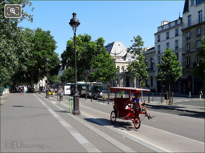 Rickshaws in Paris