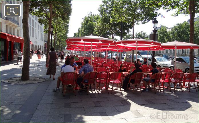 Al Fresco Dinning On The Champs Elysees