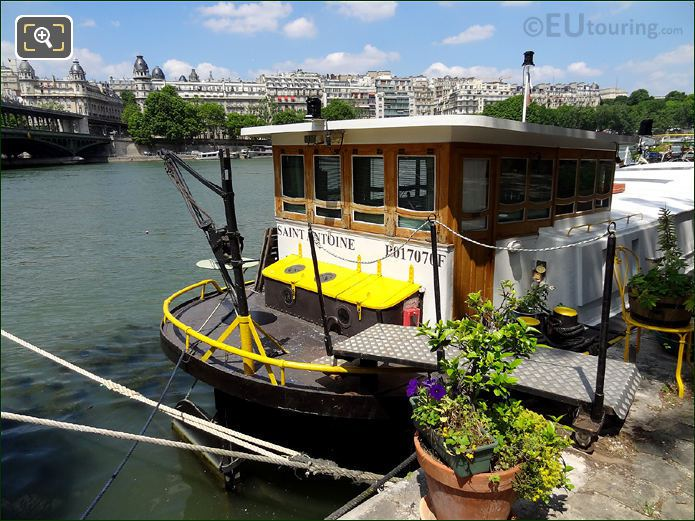 The Saint Antoine Houseboat