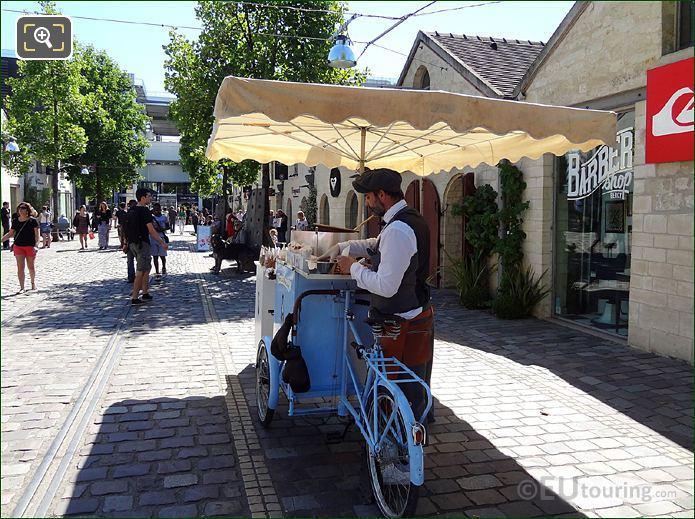 Fast Food Bike Stand Paris