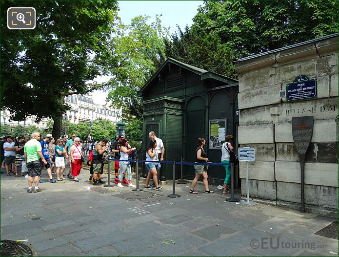 Queue Of Tourists At Catacombes De Paris Entrance