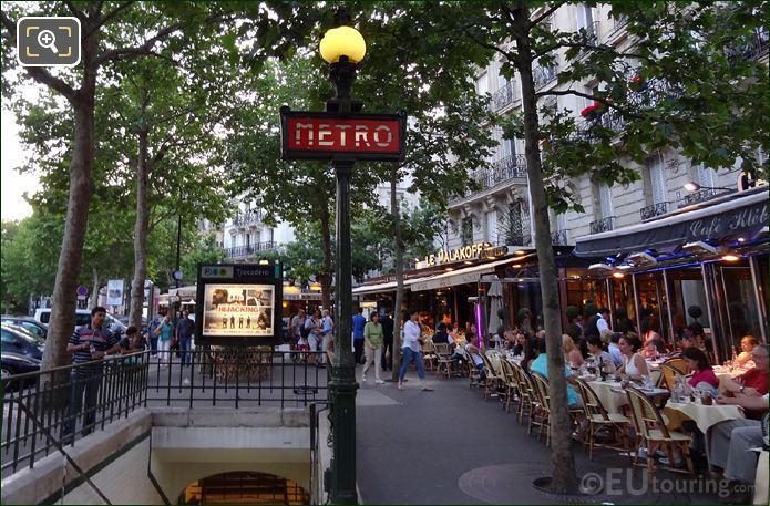Trocadero Metro Stop