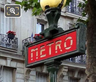 Paris Merto Sign