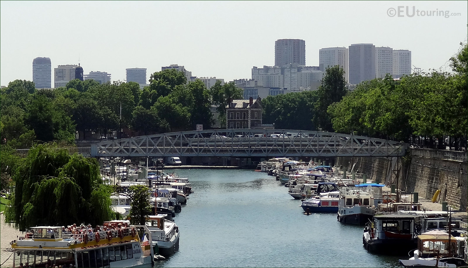 Hd photographs of passerelle mornay over canal saint for Passerelle definition