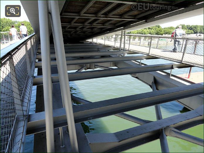 Passerelle Simone De Beauvoir Steel Construction