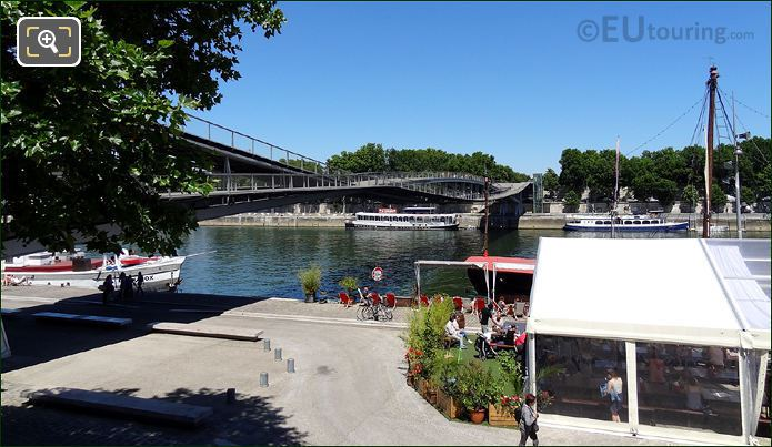 Passerelle Simone De Beauvoir Curved Walkways