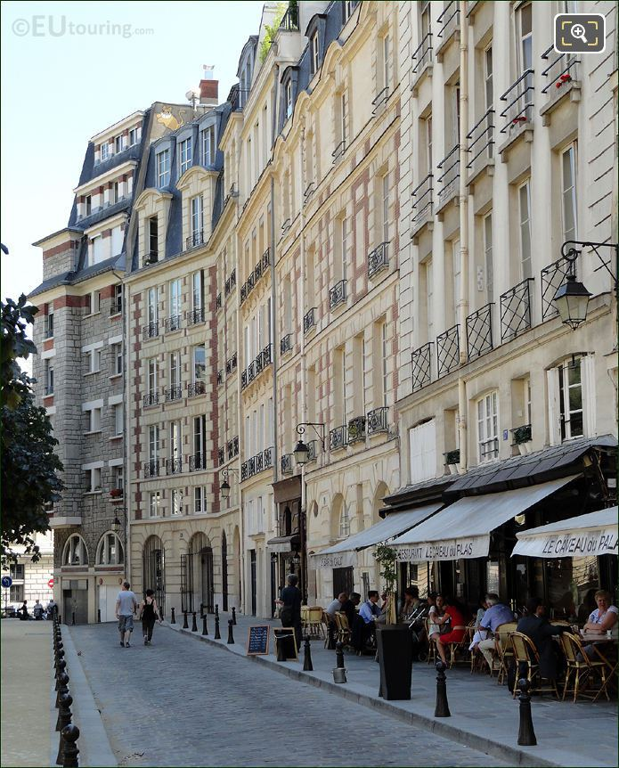 Place Dauphine Cobbled Street